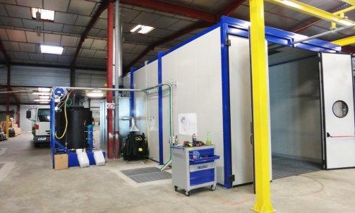 cabine de lavage avec traitement d'eau